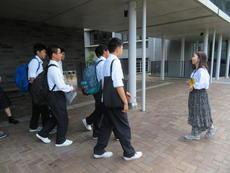 1年生大学見学会 003.JPG