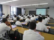 1年生大学見学会 019.JPG
