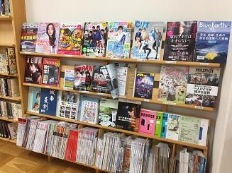 7_雑誌棚.JPG