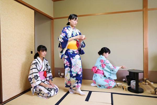 http://www.kyoto-be.ne.jp/nishijyouyou-hs/mt/club/assets_c/2018/02/sadou_IMG_8297-thumb-600xauto-89972.jpg
