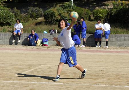 news2014_10_24_dodgeball01.jpg