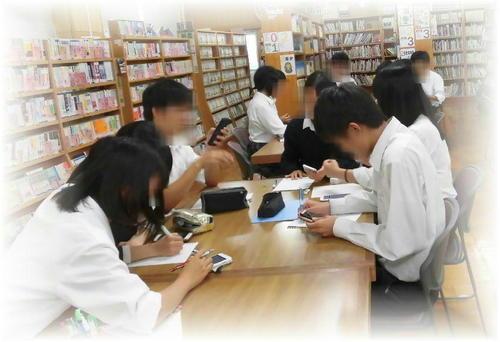 「図書館アナログゲーム倶楽部」TRPG(テーブルトーク・ロールプレイングゲーム)を楽しむ