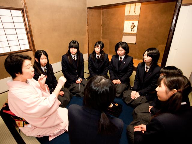 京都すばる高等学校制服画像